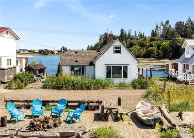 Bainbridge Island Single Family Home Pending: 15745 Point Monroe Dr NE