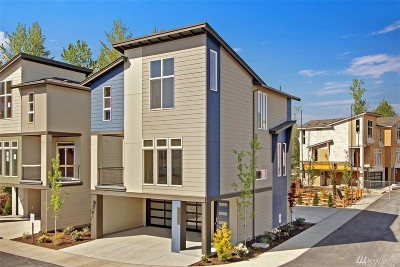Lynnwood Condo/Townhouse For Sale: 1207 150th Place SW #15