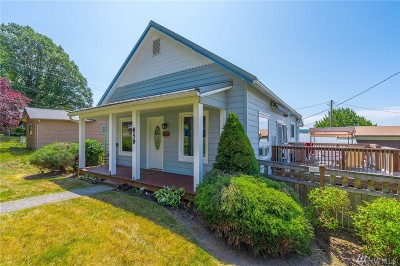 Chehalis Single Family Home For Sale: 859 SE Adams Ave