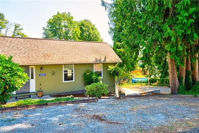 Burlington Single Family Home For Sale: 16418 Country Club Drive