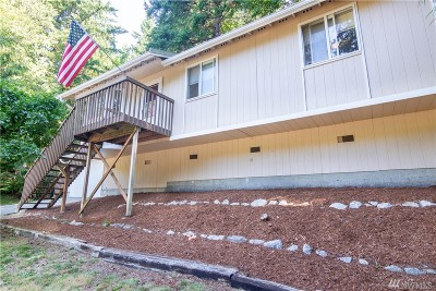 Bellingham Single Family Home For Sale: 81 Polo Park Dr