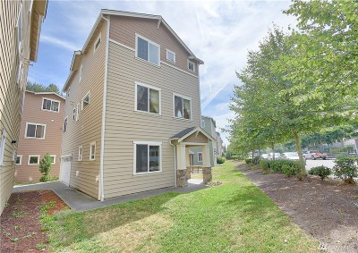 Everett Condo/Townhouse For Sale: 9910 1st Place W #23