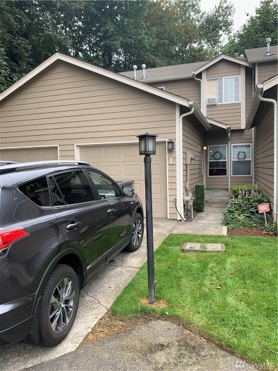 Puyallup Condo/Townhouse For Sale: 1222 7th St SE #L