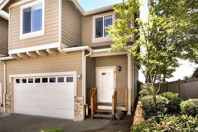 Lake Stevens Condo/Townhouse For Sale: 9200 11th Place NE #B