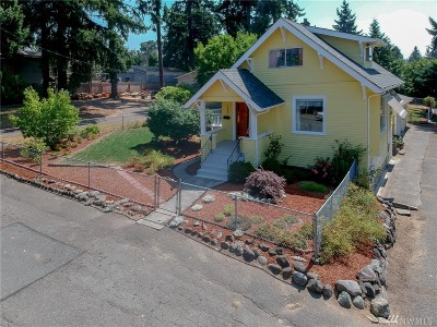 Renton Single Family Home For Sale: 2203 NE 10th St