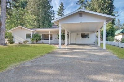 Lakewood Single Family Home For Sale: 6809 Lake Grove St SW
