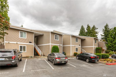 Kirkland Condo/Townhouse For Sale: 12406 NE 130th Ct #J-106
