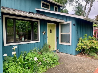 Langley Single Family Home Pending Inspection: 180 6th St
