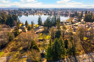 Lynnwood Single Family Home For Sale: 15905 Meadow Rd