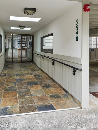 Mercer Island Condo/Townhouse For Sale: 2940 76th Ave SE #B-102