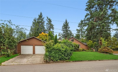 Kirkland Single Family Home For Sale: 7361 NE 140th Place
