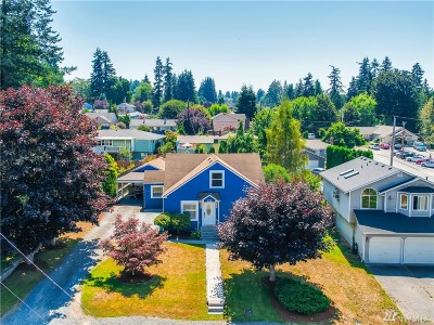 Everett Single Family Home For Sale: 126 47th St SW