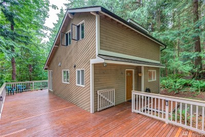 Bellingham Single Family Home For Sale: 23 Hillside Place