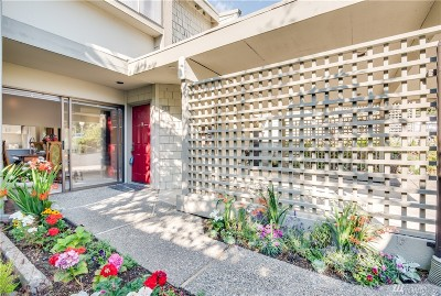 Mountlake Terrace Condo/Townhouse For Sale: 22707 Lakeview Dr #G1