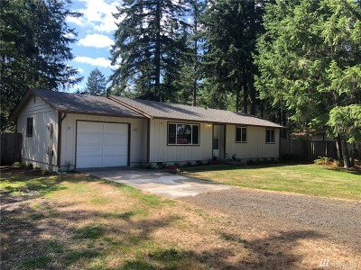 Shelton Single Family Home For Sale: 51 E Hickory Place