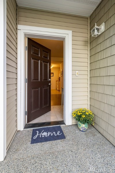 Pierce County Condo/Townhouse For Sale: 6301 Isaac Ave SE #H-15