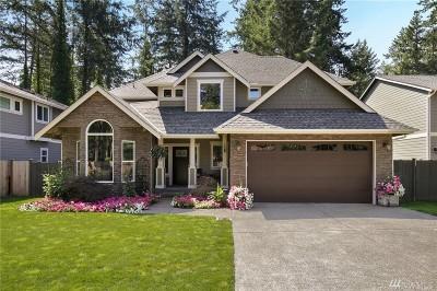 Lakewood Single Family Home For Sale: 11818 Interlaaken Dr SW