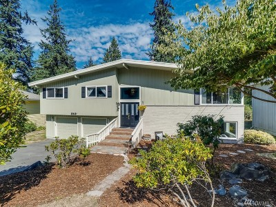 Edmonds Single Family Home For Sale: 18419 79th Place W
