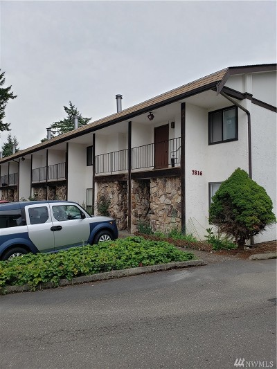 Snohomish County Condo/Townhouse For Sale: 7816 SW 196th #D2