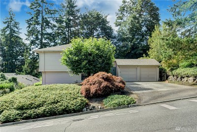 Kirkland Single Family Home For Sale: 9709 NE 139th St