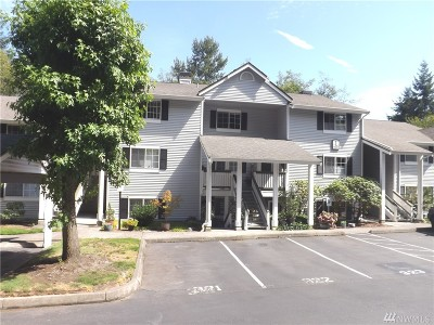 Mountlake Terrace Condo/Townhouse For Sale: 23317 Cedar Way #L-203