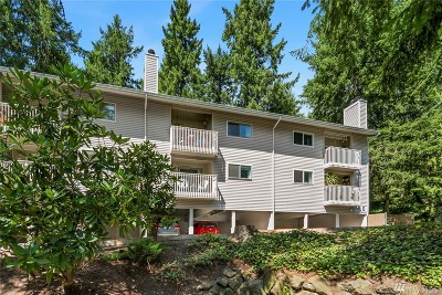 Bellevue WA Condo/Townhouse For Sale: $389,000