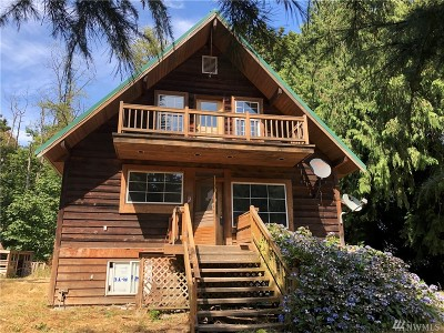 Camano Island Single Family Home For Sale: 3017 SE Camano Dr