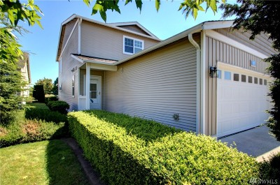 Burlington Single Family Home For Sale: 1172 Decatur Cir