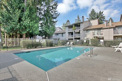 Federal Way Condo/Townhouse For Sale: 33006 17th Place S #A 301