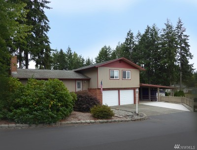 Lewis County Single Family Home For Sale: 203 E Parkwood Ct