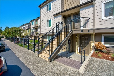 Redmond Condo/Townhouse For Sale: 15827 Leary Wy NE #211