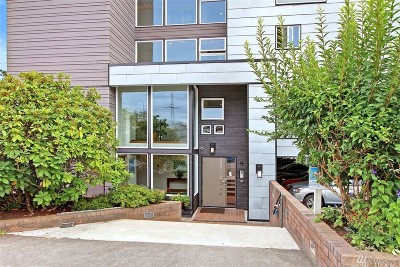 Seattle Condo/Townhouse For Sale: 3501 SW Holden #303