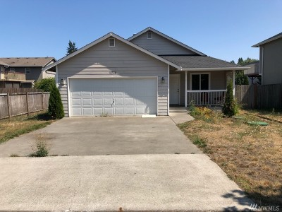 Yelm Single Family Home For Sale: 10726 Umtanum St SE