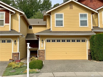 Lynnwood Condo/Townhouse For Sale: 3817 209th Place SW
