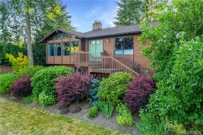 Lake Forest Park Single Family Home For Sale: 15711 38th Ave NE