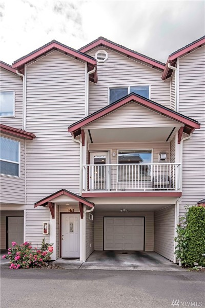 Everett Condo/Townhouse For Sale: 8823 Holly Dr #513