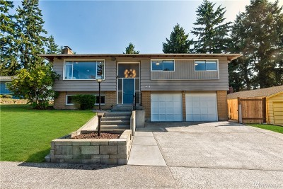 Seattle Single Family Home For Sale: 411 141st St