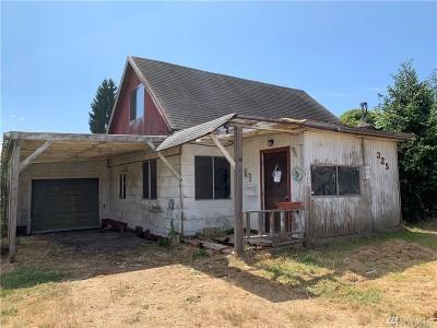 Single Family Home For Sale: 325 E Scott