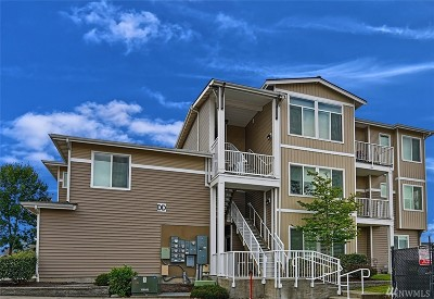 Bothell Condo/Townhouse For Sale: 14915 38th Dr SE #2023