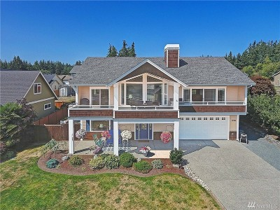 Camano Island Single Family Home For Sale: 1138 Rolling Dr