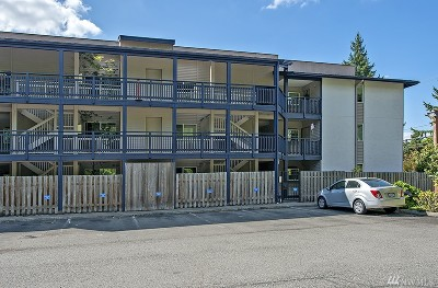 Bellevue Condo/Townhouse For Sale: 12303 SE 60th St #3B