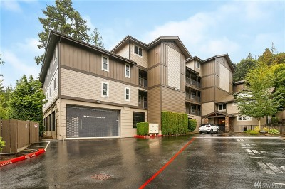 Issaquah Condo/Townhouse For Sale: 18609 SE Newport Wy #305