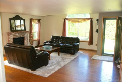 Puyallup Single Family Home For Sale: 12218 145th St E