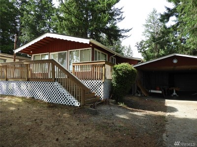 Olympia Single Family Home For Sale: 10121 Overlook Dr NW