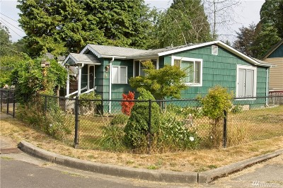 Winlock Single Family Home For Sale: 707 SE 1st St