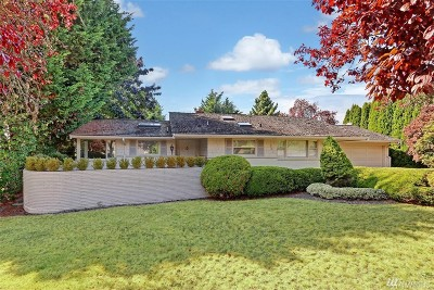 Bellevue Single Family Home For Sale: 921 Sunset Wy