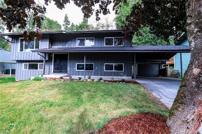 Bellingham Single Family Home For Sale: 1222 Kenoyer Dr