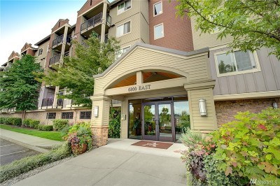 Newcastle Condo/Townhouse For Sale: 6800 132nd Place SE #E105