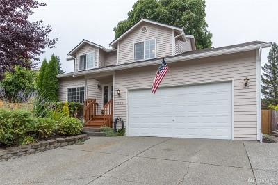 Everett Single Family Home For Sale: 207 79th Place SW