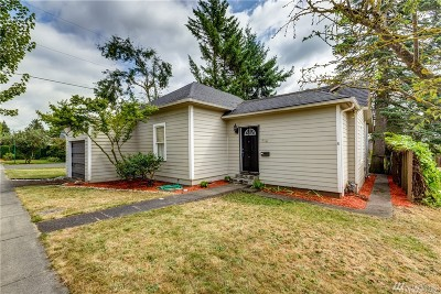 Lynden Single Family Home For Sale: 614 E Grover St